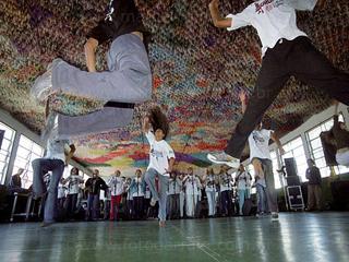 Auditório Ibirapuera recebe Meninos do Morumbi  Eventos BaresSP 570x300 imagem