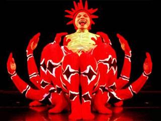 Em agosto, a Via Funchal recebe os bailarinos-acrobatas do Momix Eventos BaresSP 570x300 imagem