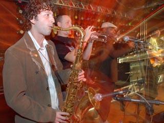 """Os Opalas, Xis e Izzy Gordon agitam festa """"Let´s Groove/Eldorado FM""""  Eventos BaresSP 570x300 imagem"""