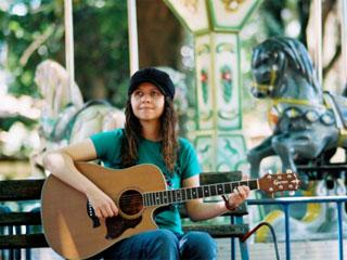 """Roberta Campos apresenta seu CD """"Varrendo a Lua"""" em Campos do Jordão dia 08 de julho Eventos BaresSP 570x300 imagem"""