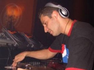 O top DJ Rodrigo Ferrari embarcou para tour em Bogotá  Eventos BaresSP 570x300 imagem