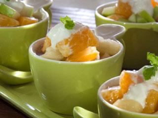 Aprenda a fazer uma salada de frutas com especiarias com Café Pilão Verão Eventos BaresSP 570x300 imagem