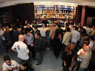 W Bar promove noite especial para os solteiros  Eventos BaresSP 570x300 imagem