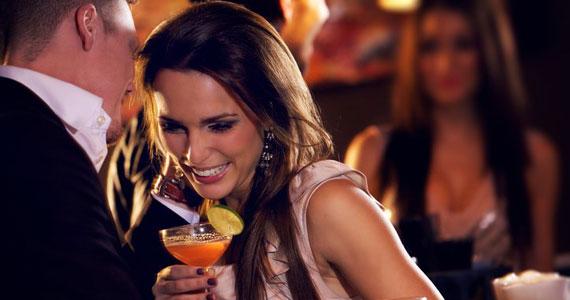 Drink falso é saída estratégica para mulheres em restaurante do EUA BaresSP