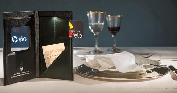 Cartão Elo traz porta-contas inovador com luz de led movida a bateria Eventos BaresSP 570x300 imagem