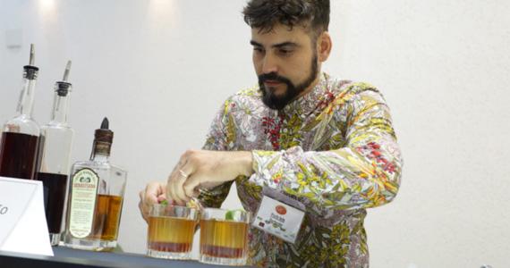 Bartender paulistano vence 2° Edição do Concurso Nacional Rabo de Galo com drink inusitado Eventos BaresSP 570x300 imagem