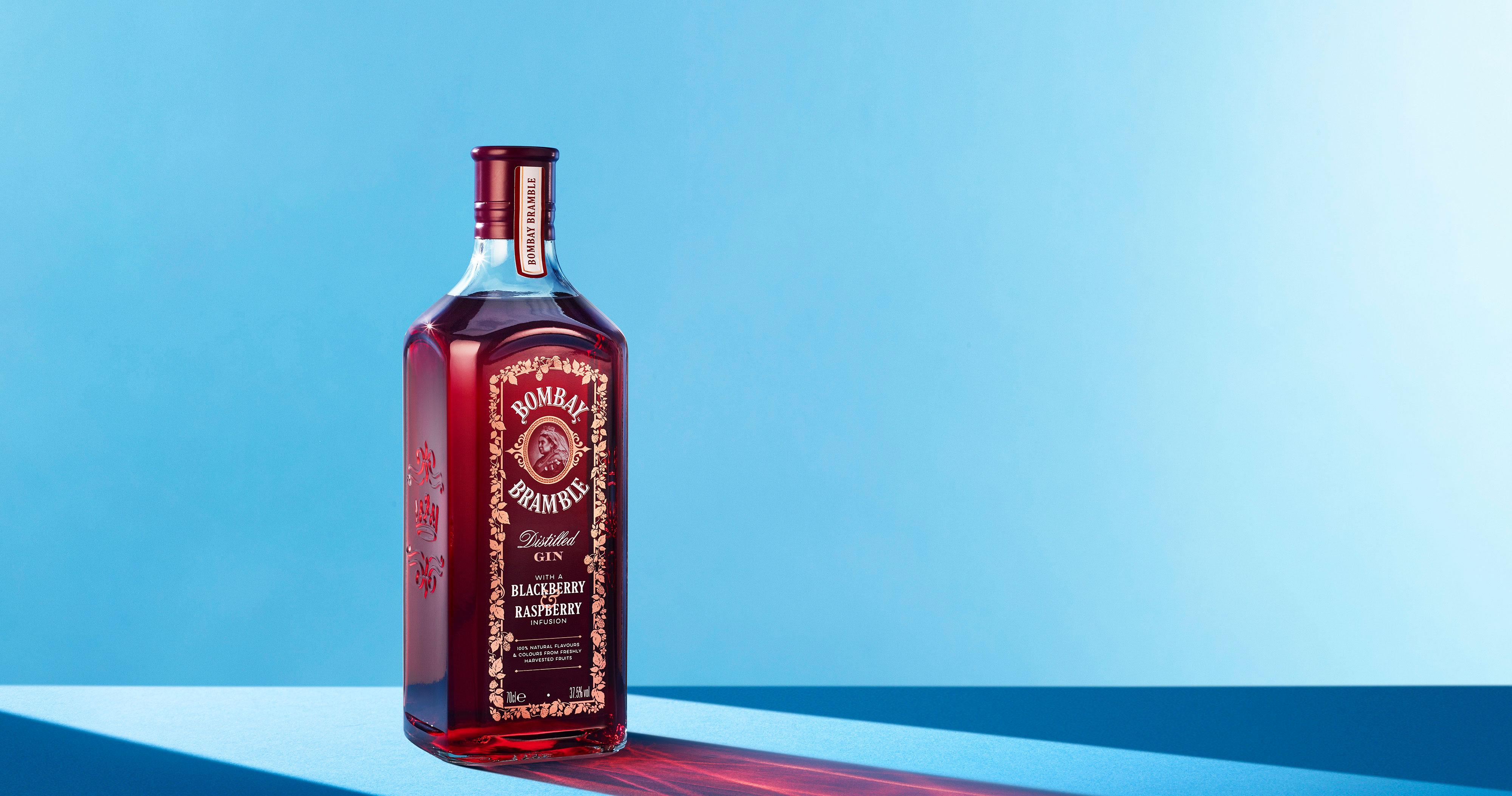 Bombay lança gin saborizado com frutas vermelhas no Brasil Eventos BaresSP 570x300 imagem