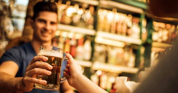 Conhecimento e qualificação no curso bartender para bares BaresSP