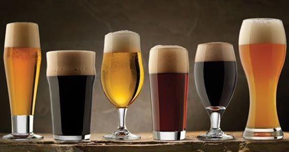 Que tal aprender informações que são realmente importantes para a vida? Faça um curso de degustação de cerveja. Eventos BaresSP 570x300 imagem