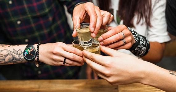 Dia da Cachaça: bares e restaurantes que comemoram a data Eventos BaresSP 570x300 imagem