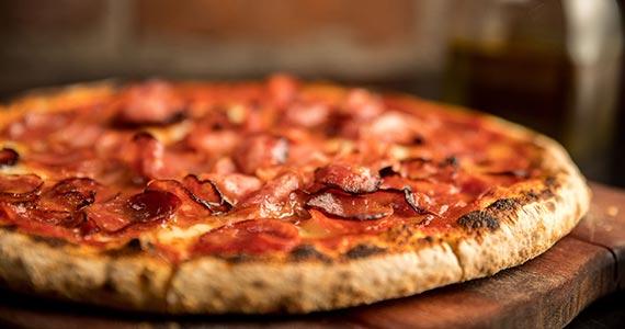 Dia da pizza: pizzarias preparam sabores especiais para a data Eventos BaresSP 570x300 imagem
