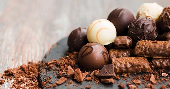 Dia do Chocolate: lugares que realizam a comemoração da data Eventos BaresSP 570x300 imagem