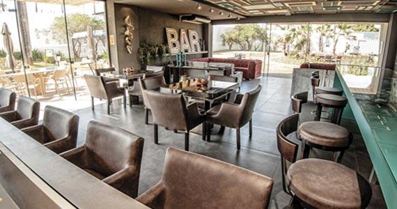 Dicas para escolher mesas e cadeiras para bares Eventos BaresSP 570x300 imagem