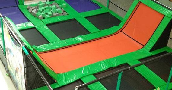 O maior parque de trampolins do Brasil, Jump Mania, chega na capital e inaugura unidade no Shopping Aricanduva Eventos BaresSP 570x300 imagem