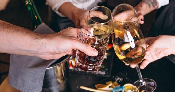 Mercado ilegal de bebidas alcoólica tira R$10 bilhões dos cofres públicos Eventos BaresSP 570x300 imagem