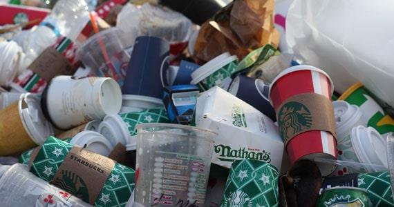 Prefeito sanciona Lei que proíbe o fornecimento de pratos e talheres plásticos Eventos BaresSP 570x300 imagem