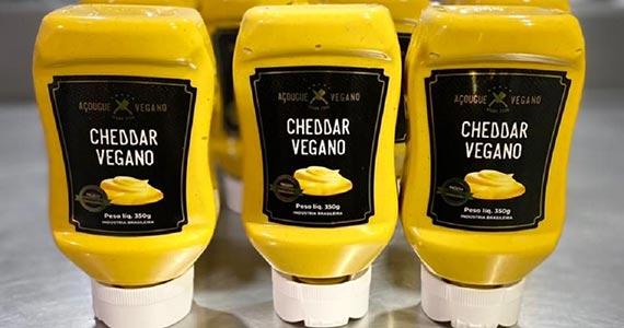 Açougue Vegano lança molho cheddar vegano para ser consumido em casa Eventos BaresSP 570x300 imagem