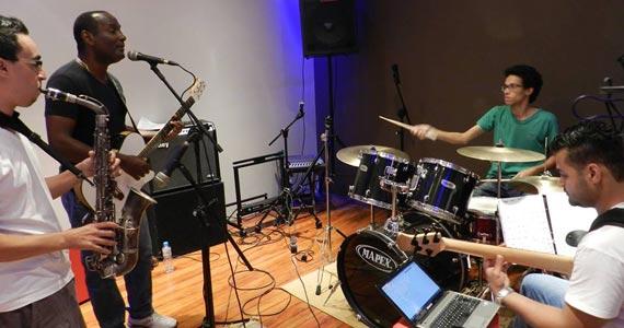 Banda 3-4 Trio toca muito Pop/Rock para galera do B Music Bar Eventos BaresSP 570x300 imagem