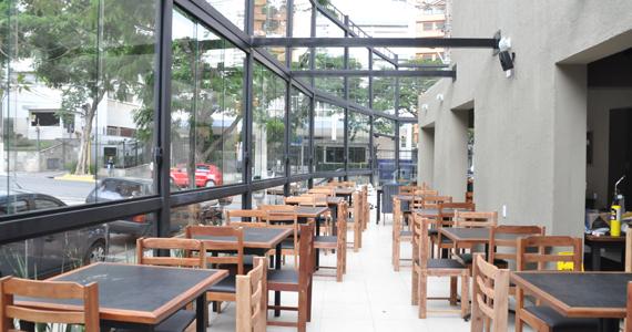 Alcino Bar inaugura nesta sexta-feira com cardápio recheado Eventos BaresSP 570x300 imagem