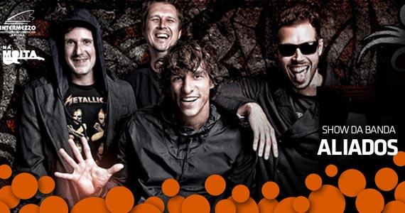Apresentação da banda Aliados no palco do Na Mata Café Eventos BaresSP 570x300 imagem