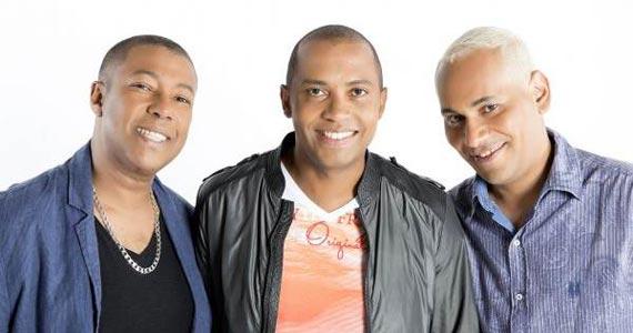 Lapa 40 Graus apresenta show dos Amigos do Pagode 90 cantando sucessos Eventos BaresSP 570x300 imagem