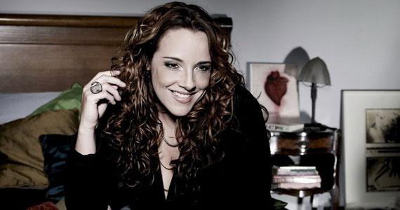 Ana Carolina apresenta o show #AC Ao Vivo no no palco do HSBC Brasil Eventos BaresSP 570x300 imagem