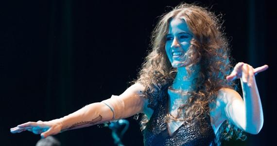Ana Canãs apresenta-se no palco do Auditório Ibirapuera com o guitarrista Sérgio Dias e Vitor Araújo Eventos BaresSP 570x300 imagem