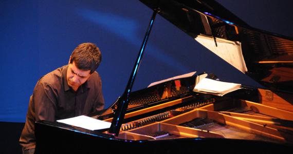 André Mehmari Trio apresenta sua música instrumental no Bourbon Street Eventos BaresSP 570x300 imagem