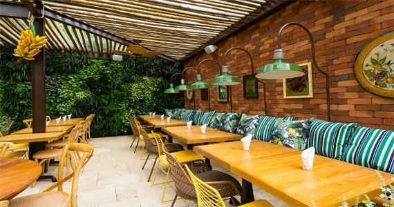 Acontece a abertura do bar Banana Café que está de cara nova Eventos BaresSP 570x300 imagem