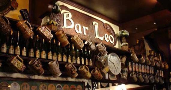 Happy hour com petiscos alemães e chopp brahma no Bar Léo BaresSP 570x300 imagem