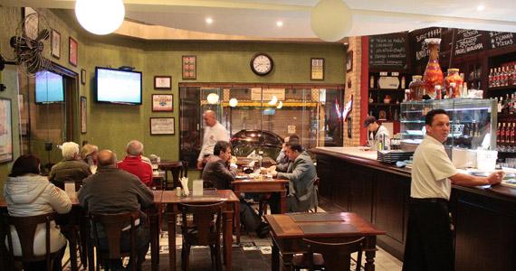 Bar do Milton oferece o saboroso chope Brahma com variedade de petiscos Eventos BaresSP 570x300 imagem