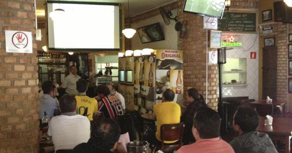 Boteco São Paulo transmite jogo do Brasil e recebe Paulinho Santana para animar a terça Eventos BaresSP 570x300 imagem
