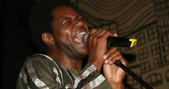 Festa Pé na África acontece no Espaço Urucum com a banda Booka Mutoto e o cantor Bukassa Kabengele Eventos BaresSP 570x300 imagem