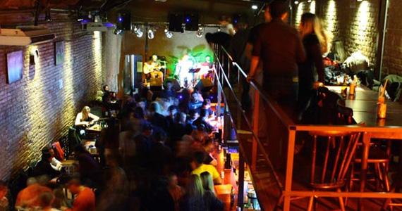 Apresentação das bandas Vettera e Noise no palco do Café Aurora - Rota do Rock Eventos BaresSP 570x300 imagem