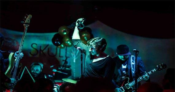 Banda Caixa Forte toca muito pop rock no Skull Bar sábado Eventos BaresSP 570x300 imagem