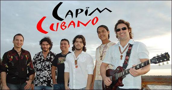 Música latina com o comanda da banda Capim Cubana no palco do Bourbon Street Eventos BaresSP 570x300 imagem