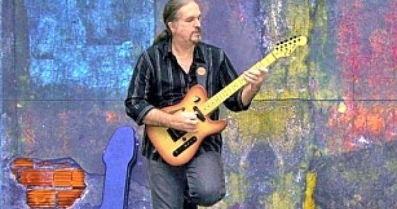 O guitarrista Carlos Café apresenta seu novo trabalho Bagagem Código Blues no Sesc Santo André Eventos BaresSP 570x300 imagem