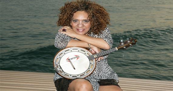 Jogo do Brasil ao vivo com Dayse do Banjo e Convidados no Traço de União Eventos BaresSP 570x300 imagem