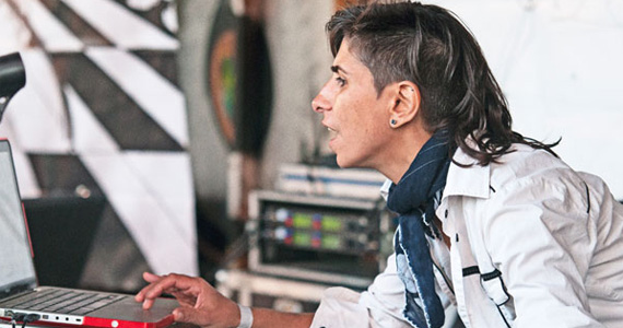 DJ Ipek realiza esquenta para a Oktoberfest São Paulo no Louis Bar Lounge Eventos BaresSP 570x300 imagem