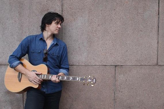 O cantor e compositor britânico Dan Torres faz apresentação inédita no Ao Vivo Music Eventos BaresSP 570x300 imagem