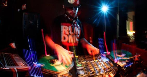 Bar Caos da Augusta apresenta a festa Grooveria com o convidado DJ Guss Eventos BaresSP 570x300 imagem