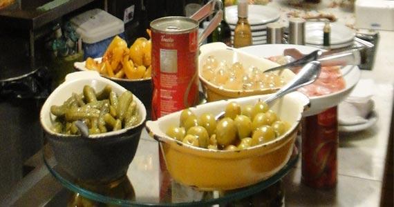 Happy Hour especial com muitas opções de petiscos são destaques do EAT Trattoria Eventos BaresSP 570x300 imagem