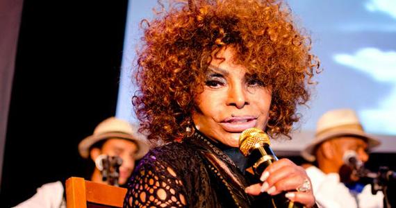 Elza Soares se apresenta no Tom Jazz com o espetáculo inovador A Voz e a Máquina Eventos BaresSP 570x300 imagem