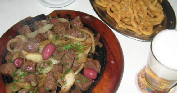 Elidio Bar oferece Filé Mignon com Onion Rings como sugestão para domingo Eventos BaresSP 570x300 imagem