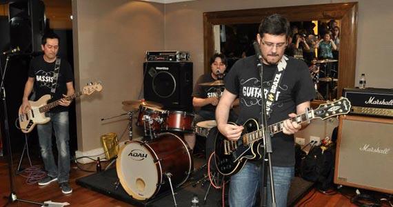 Banda Font 72 toca muito Pop/Rock para a galera do B Music Bar Eventos BaresSP 570x300 imagem