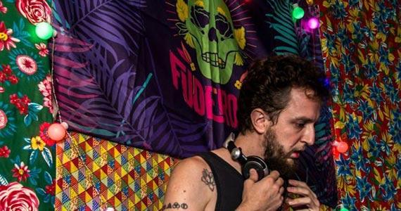 Garrafas Bar recebe os agitos do Coletivo Fuderosa nesta quinta a noite Eventos BaresSP 570x300 imagem