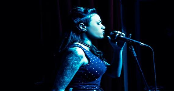 Cantora Gabi Mattos ex The Voice Brasil se apresenta no Jet Lag Pub Eventos BaresSP 570x300 imagem