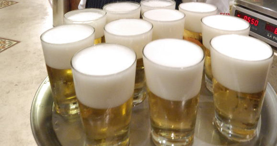 Chopp gelado e pesticos variados no Elidio Bar para o happy hour Eventos BaresSP 570x300 imagem