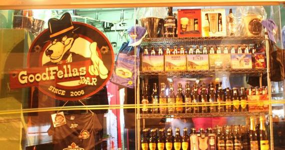 Goodfellas Bar oferece happy hour com transmissão ao vivo do jogo de futebol Eventos BaresSP 570x300 imagem