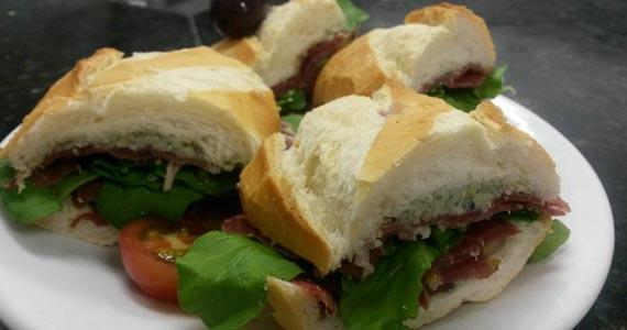 Elidio Bar oferece sanduíche de Jamon especial como sugestão de petisco Eventos BaresSP 570x300 imagem